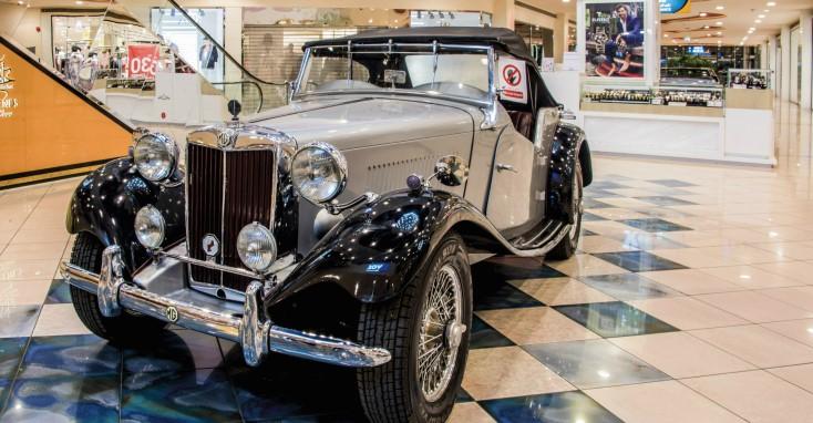Classic-car-show-1-marina-mall